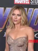 Scarlett Johansson knows what the boys want and proudly shows off her ass