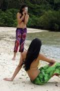 Two Filipinas on beach vacation