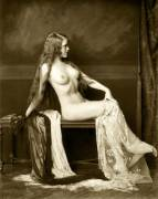 A Ziegfeld Follies girl photographed by Alfred Cheney Johnston.