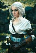"Ciri from ""Witcher 3"" has some seriously sexy messy updo hair, so here's some cosplay of it."